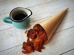 Hagyma pakora tamarind szósszal (vegán, gluténmentes) - organichicks Healthy Dishes, Healthy Recipes, Warm Food, Tamarind, Falafel, Cinnamon Sticks, Dairy Free, Spices, Tableware