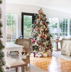 I'm leaving you in our most loved spot of the house. This is our sunroom where we use the time in both our dining room and family room. The Christmas tree is placed in the middle so we can enjoy it from both spots. This cheerful tree makes the entire season cozy and warm as we celebrate through the month! @AmericanFarmhouseStyle thank you so much for having me and thanks very much to each of you for visiting with me today! Come by @zevyjoy at any time!