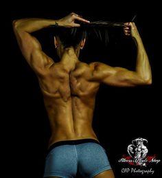 https://www.youtube.com/watch?v=9Xxet_aOsIM Musculation et Fitness: Exercice de Musculation pour les Dorsaux.