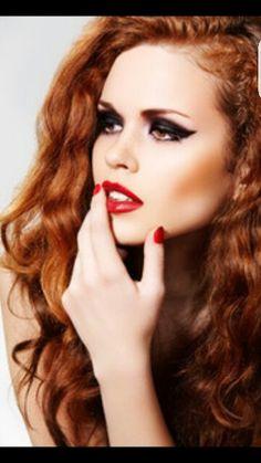 32916fa26e8 Beautiful Redhead Model! Redhead Makeup