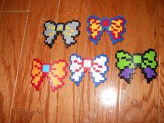 Superhero Perler Bead Barrettes by PerlerSalon Perler Patterns, Bead Patterns, Minecraft Beads, Painting The Roses Red, Peler Beads, Arts And Crafts, Diy Crafts, Iron Beads, Rainbow Loom