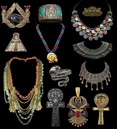 Have you also been intrigued by the history of craftsmanship presented by ancient Egyptian jewelry? The rarity and exquisite appeal of Egyptian jewelry, reserved for both genders alike, is not merely limited to finger rings and beaded necklaces. Egypt Jewelry, Egyptian Fashion, Ancient Egypt Fashion, Ancient Egypt History, Ancient Aliens, Ancient Greece, Ancient Egyptian Jewelry, Diy Vintage, Egypt Art