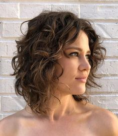 60 Most Delightful Short Wavy Hairstyles - - Short-To-Medium Cut For Natural Wavy Hair Haircuts For Wavy Hair, Curly Hair Cuts, Short Hair Cuts, Curly Hair Styles, Wavy Hairstyles, Bob Haircuts, Layered Haircuts, Short Curls, Natural Wavy Hair