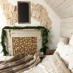 By decorating the front doorway area you are able to lend a fine touch to your house, and make your visitors feel especially welcomed. Some varieties . Cottage Christmas, Christmas Bedroom, Farmhouse Christmas Decor, Cozy Christmas, Rustic Christmas, Simple Christmas, Winter Bedroom Decor, Guest Room Decor, Twig Lights