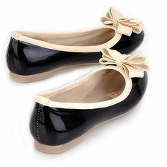 Bow Round Toe Black Flats