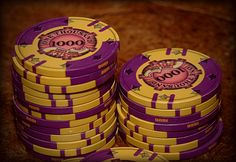 Jubilee Quarter Pie Poker Chips by Gary Stenstrom.  Currently, he's on hiatus, but you can still get 'em through ABCGiftsandAwards.com