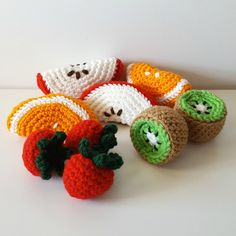 Crochet fruit set - play food - let's pretend! Crochet Fruit, Crochet Cactus, Crochet Food, Crochet Baby, Knit Crochet, Crochet Keychain Pattern, Crochet Amigurumi Free Patterns, Mittens Pattern, String Crafts