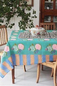 Lisa Corti Home Textile Emporium: tavola