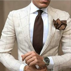 Men's Suits - Metal Strapped Watch for Cream Patterned Men Suit Mode Masculine, Sharp Dressed Man, Well Dressed Men, Mens Fashion Suits, Mens Suits, Mens Check Suits, Checked Suit, Moda Casual, Herren Outfit