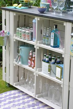 DIY outdoor bar tutorial with step by step instructions