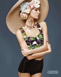 Dolce & Gabbana #floral #hat Follow us @fvshiontribe