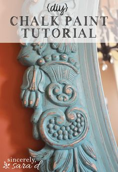DIY chalk paint tutorial - an awesome mirror makeover using chalk paint. I love this idea and I love using chalk paint for crafts Chalk Paint Tutorial, Using Chalk Paint, Chalk Paint Projects, Chalk Paint Furniture, Furniture Projects, Furniture Makeover, Diy Projects, Furniture Design, Distressing Chalk Paint