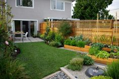 exterior stunning small yard landscaping designs for modern house with green lawn and vegetables with - Vegetable Garden Ideas For Small Gardens