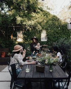 """1,077 Likes, 7 Comments - Glitter Guide (@glitterguide) on Instagram: """"This dreamy California setup is inspiring us to invite our best girls over for brunch ASAP. It's…"""""""
