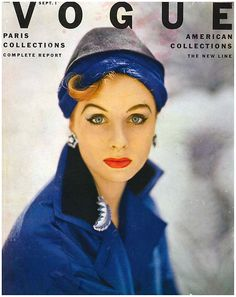 supermodel Suzy Parker, photographed for the cover of Vogue September 1952 by Roger Prigent. I can't believe how simple and conservative vogue used to be! Vogue Magazine Covers, Fashion Magazine Cover, Fashion Cover, Dorian Leigh, Suzy Parker, Vintage Vogue Covers, Carmen Dell'orefice, Jean Shrimpton, Vintage Fashion Photography