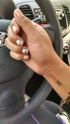 Love it!!! #nails #design #tattoo #pisces