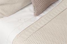 Ledikantlaken  sweet heart. Dit lakentje is perfect te combineren met onze Koeka dekens. Bij elke kleur deken hebben wij bijpassende lakentjes. http://www.babyandkidsonline.nl/ledikantlaken-sweet-heart