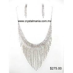 Set de collar y aretes en tono plateado con cristales estilo 40039