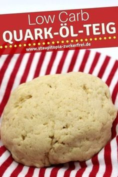 Dieser Low Carb Quark-Öl-Teig mit Mandelmehl eignet sich hervorragend zum Low C. This low carb quark oil dough with almond flour is ideal for low c. Low Sugar Recipes, Low Carb Dinner Recipes, No Sugar Foods, Milk Recipes, Baking Recipes, Candy Recipes, Protein Desserts, Low Carb Desserts, Healthy Low Carb Snacks