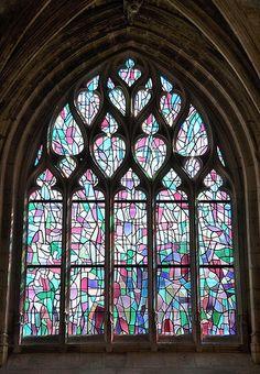 Vitrail de Alfred Manessier. Eglise Saint-Sépulcre. Abbeville .Picardie