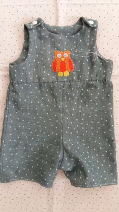 Baby Romper Pattern Free, Baby Dress Patterns, Baby Clothes Patterns, Baby Boy Romper, Diy Romper, Romper Dress, Romper Tutorial, Rompers For Kids, Baby Rompers