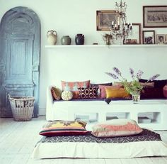 Obsessed with white wooden floors. You can use anything as an accent