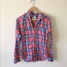 Hollister Plaid Shirt Very light and airy, perfect for spring and summer. No trades. Hollister Tops Button Down Shirts