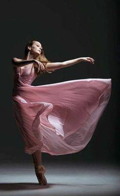 Dance via ballet Ballet Art, Ballet Dancers, Bolshoi Ballet, Ballerina Dancing, Ballerina Shoes, Ballet Shoes, Shall We Dance, Just Dance, Dance Aesthetic