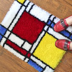 DIY Mondrian inspired rug (chart on the site available for free to make your own)