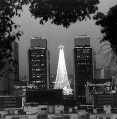 La Ciudad se viste de Luz. Centro Simón Bolívar. Caracas, 22 de diciembre de 1989 (JOSÉ SARDÁ / EL NACIONAL)