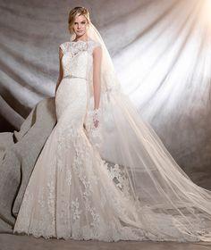 ORIA Long Bateau Neckline A-line Wedding Dresses Pronovias 2017