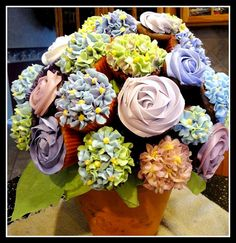 Cupcake Bouquet by Sweet Lola's, via Flickr