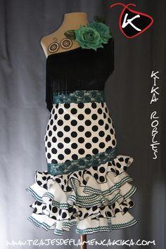 Para tallas grandes (46 en adelante) solo se pueden realizar los modelos que se encuentran en CONFECCIÓN A MEDIDA  consúltanos el precio... Dance Dresses, Granada, Fashion Sketches, Folklore, Mousse, Peplum Dress, Plus Size, Gowns, Outfits