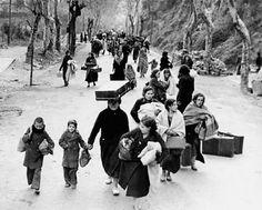 Gener-Febrer de 1939. Dones i nens espanyols camí de l'exili, fugint de les tropes feixistes del general Franco