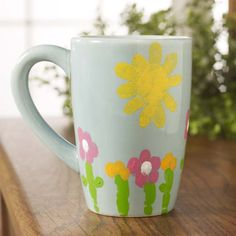 Craft Painting - Fingerprint Mug for Mom this Mother's Day. Perfect gift from the kids!