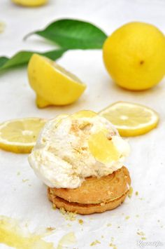 Παγωτό lemon pie xωρίς παγωτομηχανή / No-churn lemon pie ice cream Greek Desserts, Greek Recipes, 2 Ingredient Ice Cream, Jam Tarts, Ice Cream Pies, Pastry Cake, 2 Ingredients, Food And Drink, Tasty