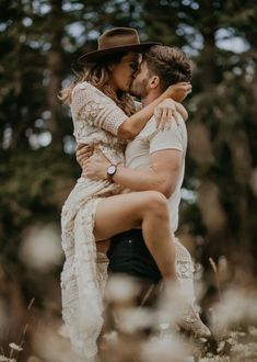 Taylor + Stephen by Evergrey Photography Couple Photoshoot Poses, Couple Portraits, Couple Posing, Couple Shoot, Hot Couples, Cute Couples Goals, Couples In Love, Couples Beach Photography, Romantic Photography