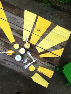 Get Crafty With 60 DIY Recycled Wooden Pallets Projects Wooden Pallet Projects, Wooden Pallets, Outdoor Projects, Painted Picnic Tables, Painted Benches, Painted Wood, Casa Park, Recycling, Reclaimed Wood Art