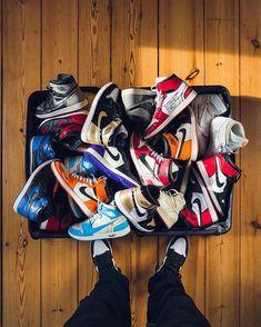 "de9e4c13 @amg.sneakers on Instagram: ""Nike Air Jordan 1 Все цвета в наличии. ⠀ Для  заказа пишите в Директ. #айрмакс"""