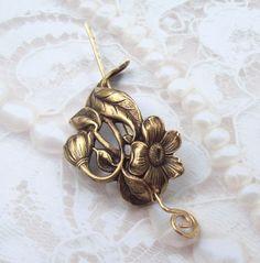 Small Flower Shawl Pin, Flower Scarf Pin, Daisy Hair Slide, gold shawl pin, oxidized brass, spring fashion, leaf