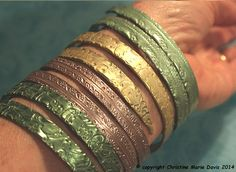 Emerald Green smashed metal knitting needle BANGLE with button tips… fun vintage boho GYPSY style bracelet – The Best Ideas Gypsy Jewelry, Wire Jewelry, Beaded Jewelry, Jewellery, Gypsy Style, Boho Gypsy, Diy Knitting Needles, Fashion Bracelets, Fashion Jewelry