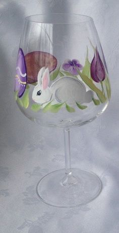Set of two Easter hand painted wine glasses. Bunny Easter oversized wine glasses great for your dinner table.