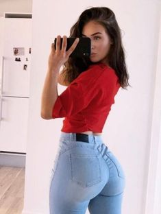 Sexy Jeans, Love Jeans, Mode Des Leggings, Curvy Girl Outfits, Girls Jeans, Gorgeous Women, Sexy Women, Fashion Outfits, Nice