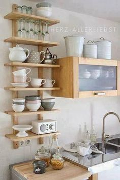 3 tricks for more space: So awesome you can set up a small kitchen - Regale / Shelves - Home Sweet Home Varde Ikea, Kitchen Shelves, Kitchen Storage, Open Shelves, Small Shelves, Kitchen Cabinets, Storage Shelves, Kitchen Organization, Open Cabinets