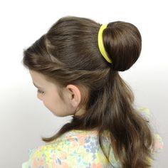 Peinado de Bella Princess Belle Hair, Bella Disney, Balage Hair, Belle Hairstyle, Beauty And The Beast Party, Halloween 2020, Costumes, Hair Styles, Face