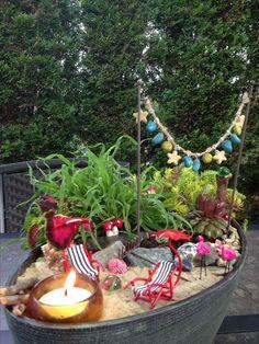 More Than 70 Amazing Beach Fairy Garden Ideas Erstaunliche Strand Fee Garten Ideen - Bilmece Beach Fairy Garden, Fairy Garden Houses, Gnome Garden, Garden Art, Fee Du Logis, Cute Fairy, Deco Originale, Garden Terrarium, Fairy Doors