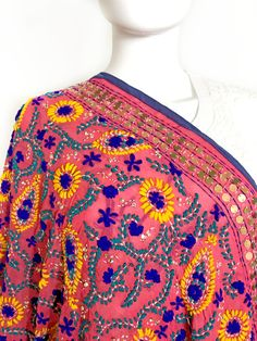 Shop online handmade, vintage, and one-of-a-kind traditional phulkari products at Pink Phulkari. Explore different phulkari work designs here, today! Phulkari Embroidery, Paisley Embroidery, Embroidery Patterns, Textile Patterns, Textile Design, Indian Embroidery Designs, Phulkari Suit, Next Fashion, Indian Wear