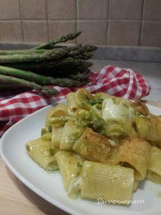 Mezze+maniche+con+asparagi+e+taleggio