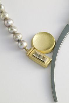 Necklace - 18kt yellow gold, oxidized sterling silver, white moonstone, cultured pearls