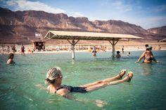 L'apocalypse du fleuve Jourdain - GEO Grand Canal, Apocalypse, Geo, Israel, Building, Dead Sea, Swim, Travel